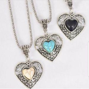 🆕️💎 Semiprecious Stone Heart Necklace 💎